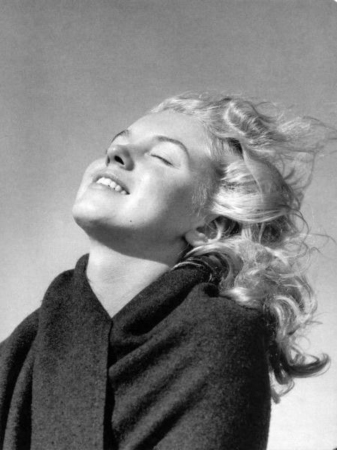 Marilyn Monroe  Smell the Roses